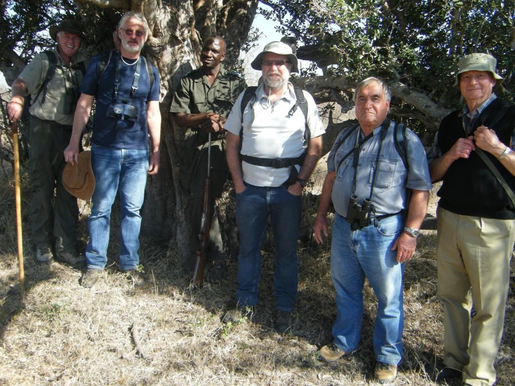 Under the n'watin'wambu - the milkwood tree during a hike through the bush