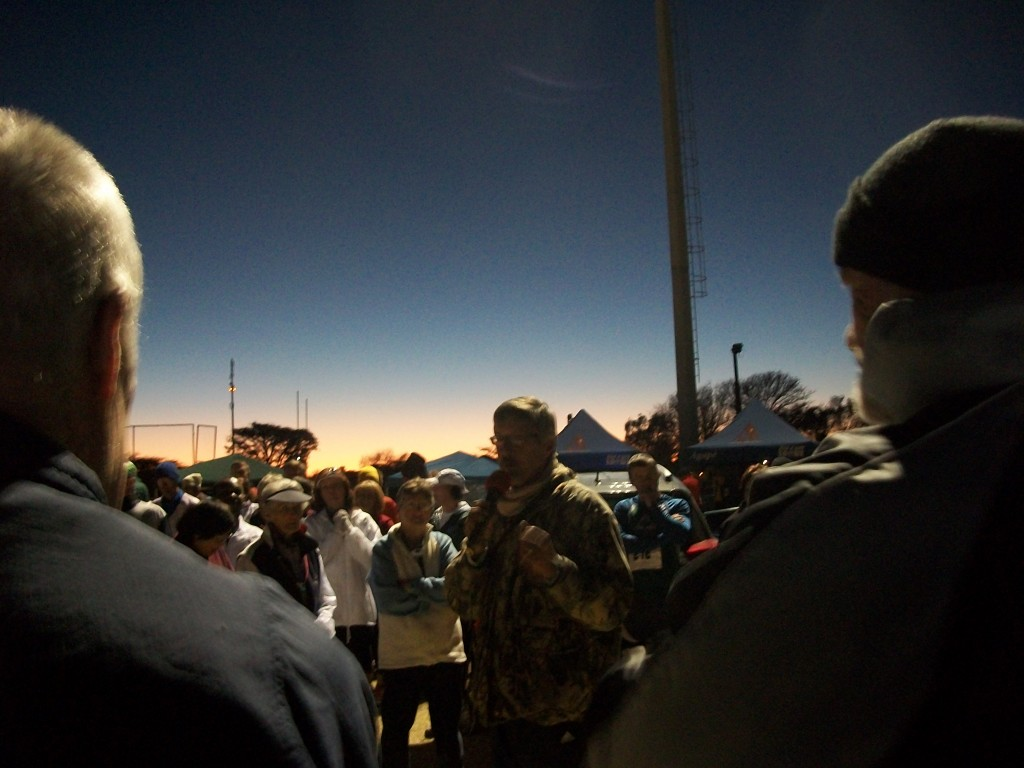 The incomparable Gerrie Strydom explaining the rules before the start of the 2014 Dawn to Dusk