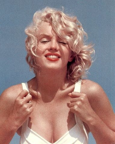 Marilyn Monroe The Showgirl And Colin Clark A Romantic