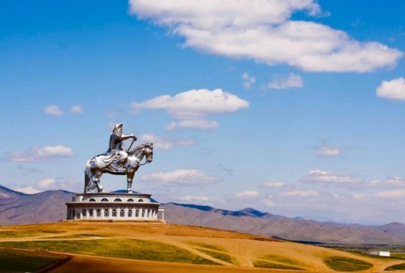 Enormous statue of Ghenis Khan in Mongolia