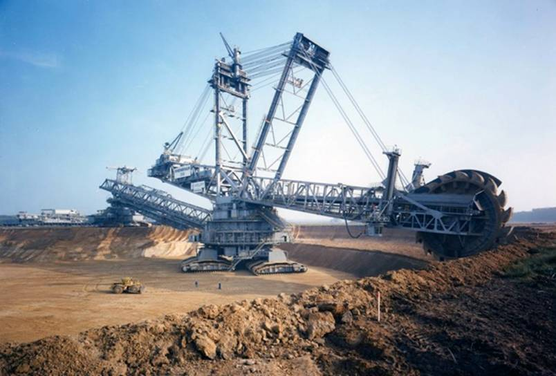 The Bagger 288, the largest land vehicle in the world