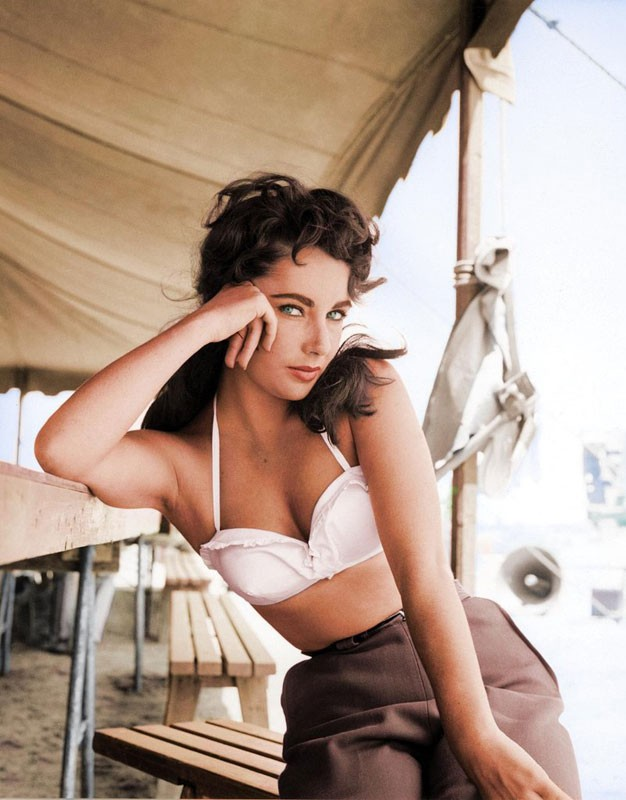 Elizabeth Taylor is stunning in this photograph taken in 1956