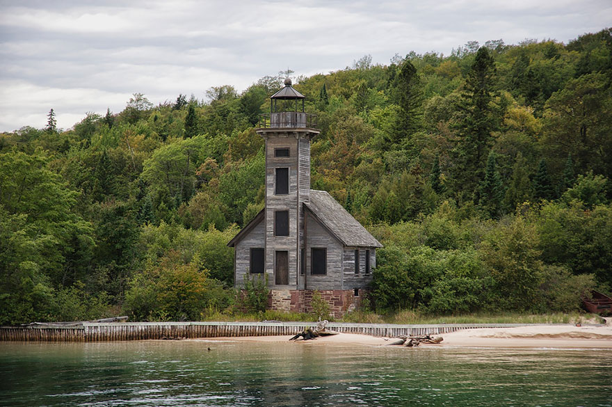 GRAND ISLAND EAST CHANNEL LIGHT HOUSE, MICHIGAN, USA IN SUMMER