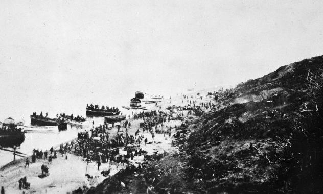 Anzacs coming ashore