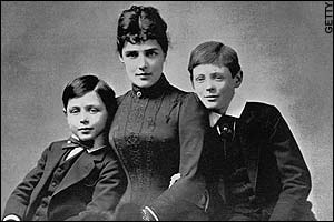 The red haired Winston on the right with his brother Jack and his mother, Jennie Gerome, an American socialite and beauty.
