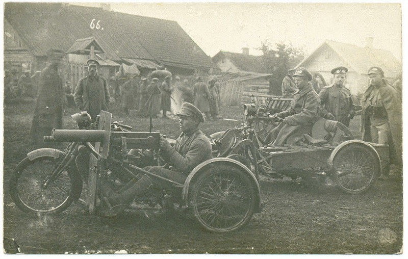 39th Tomsk infantry regiment with their motorcycle-mounted machine guns during WW1