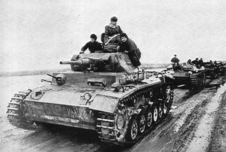 Panzer III Ausf. J The hull was lengthened. Frontal armour increased to 50 mm plate. 482 produced in 1941