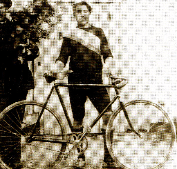 Tour de France 1903. After a victory at the first stage of cycle racing - Maurice Garin