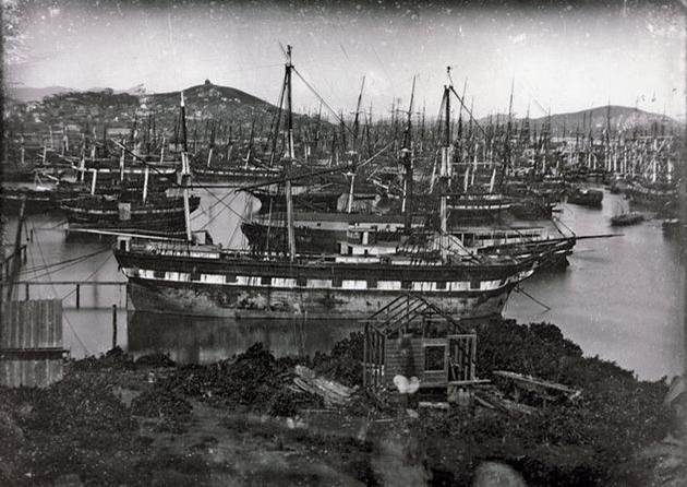1850. The Californian Gold Rush left hundreds of boats from around the globe abandoned in the port of San Francisco