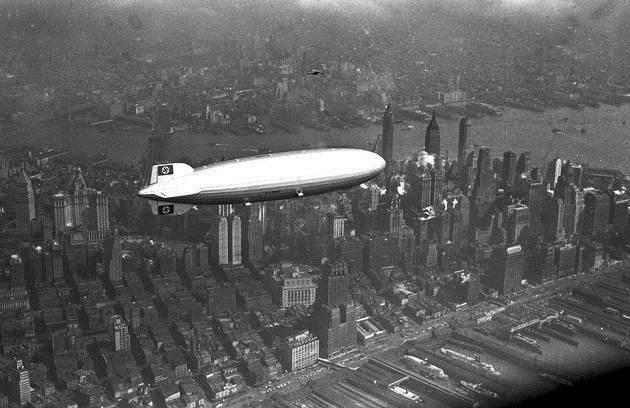1936. Hindenburg flies over Manhattan