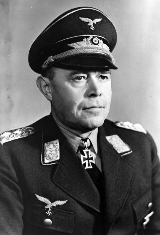 Kesselring wearing his Knight's Cross in 1940
