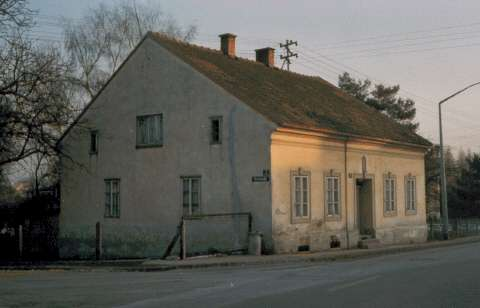 November 1898 - Alois Hitler purchases a respectable two and a half-story house in Leonding, 3 miles west of Linz