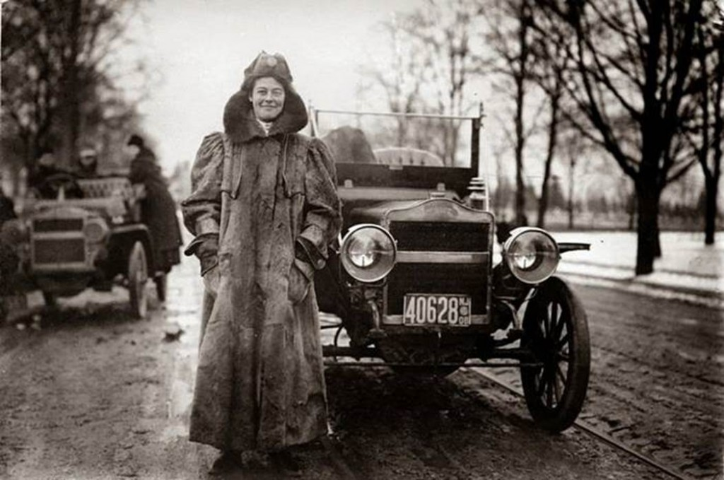 Alice Huyler Ramsey (November 11, 1886 – September 10, 1983), the first woman to drive across the United States from coast to coast, 1909. Only 152 miles out of the total 3600-mile trip were made on paved road