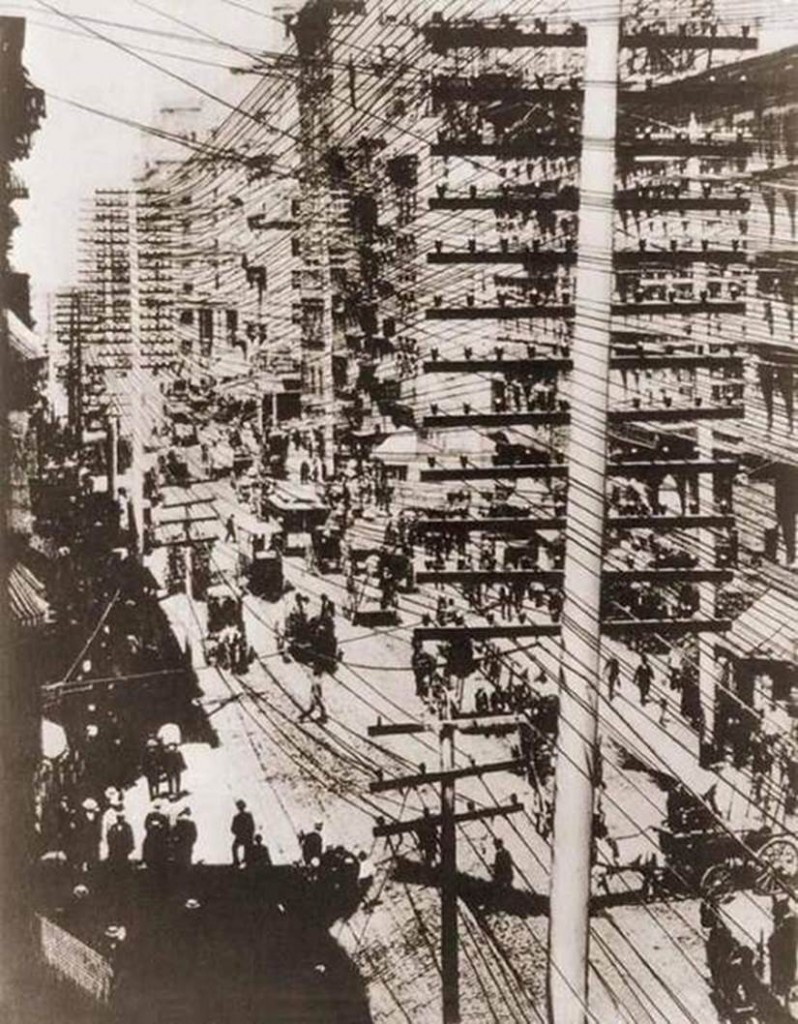 Telephone wires in New York, 1887