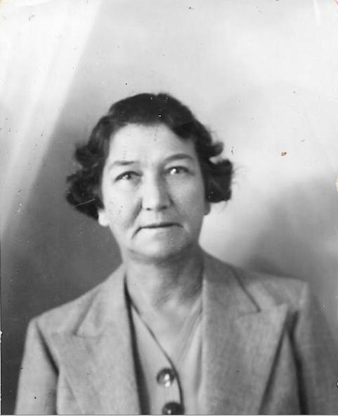 Caroline Frieda Dix-Peek nee Nel in 1940