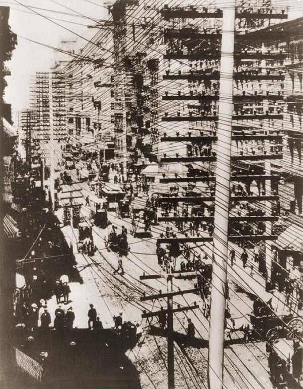 04 Telephone wires in New York, 1887