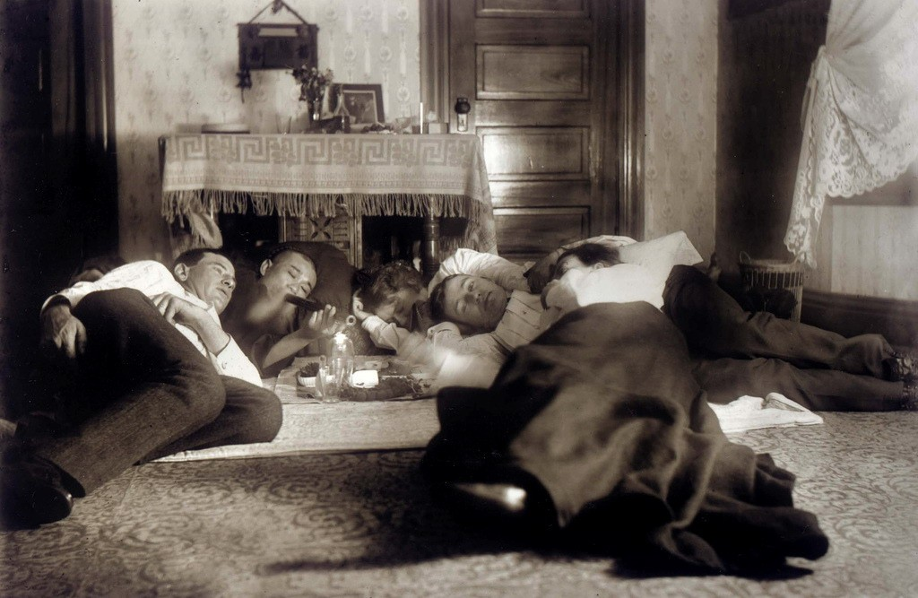 08 Opium den in San Francisco, 1900