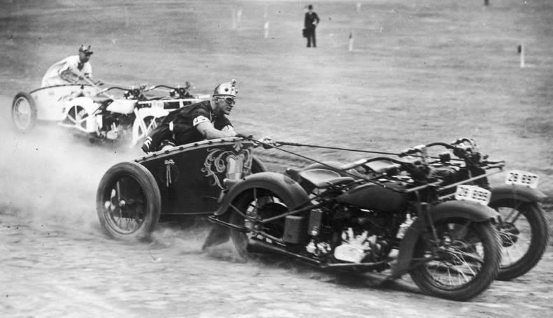 14 Motorcycle chariots, 1920s