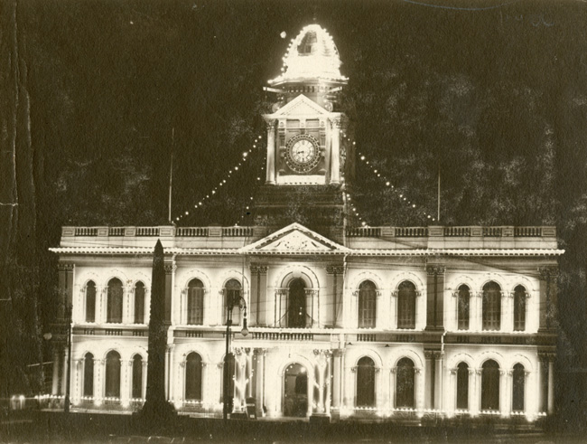 Town Hall illuminated. Peace celebrations August 1919.