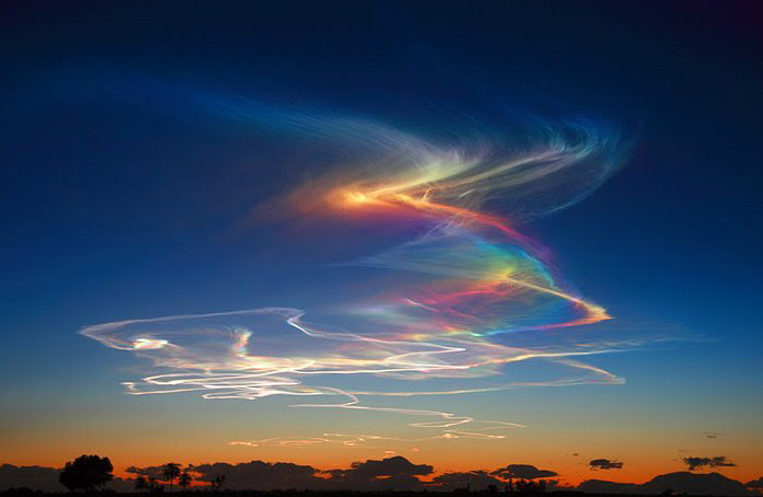 A rare and wonderful atmospheric phenomenon - 'fire rainbow'
