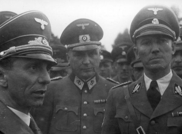 Otto von Wachter on the right with Goebells on the left