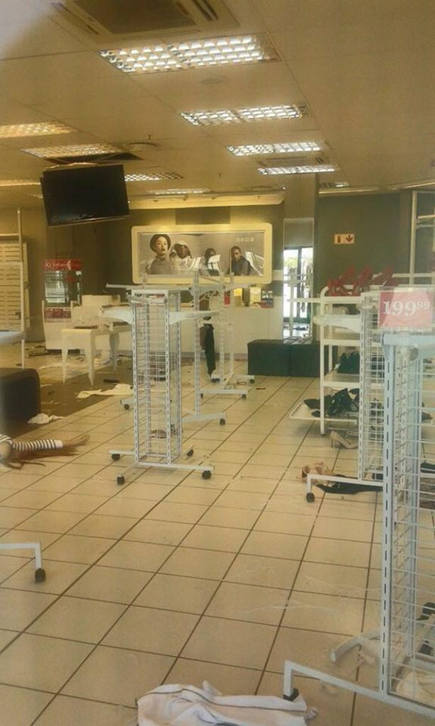 Rioting & Looting in Tshwane#08