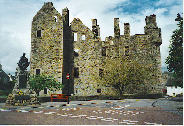 M'Cllelan castle at Kirkcudbright#03