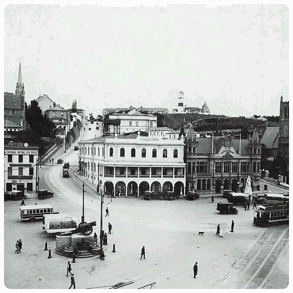 White's Road-With Artillery Piece in Market Square