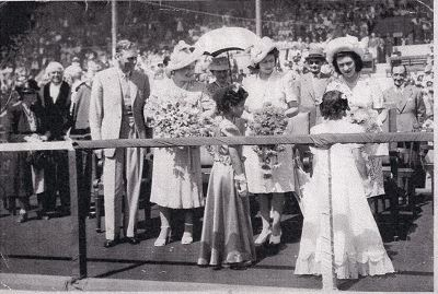 Ruwayda Samodien presenting the bouquet to Princess Margaret