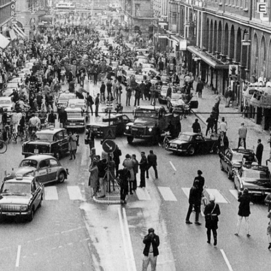 A traffic nightmare: At 17h00 on 3rd September 1967 Sweden changed from driving on the left side to driving on the right