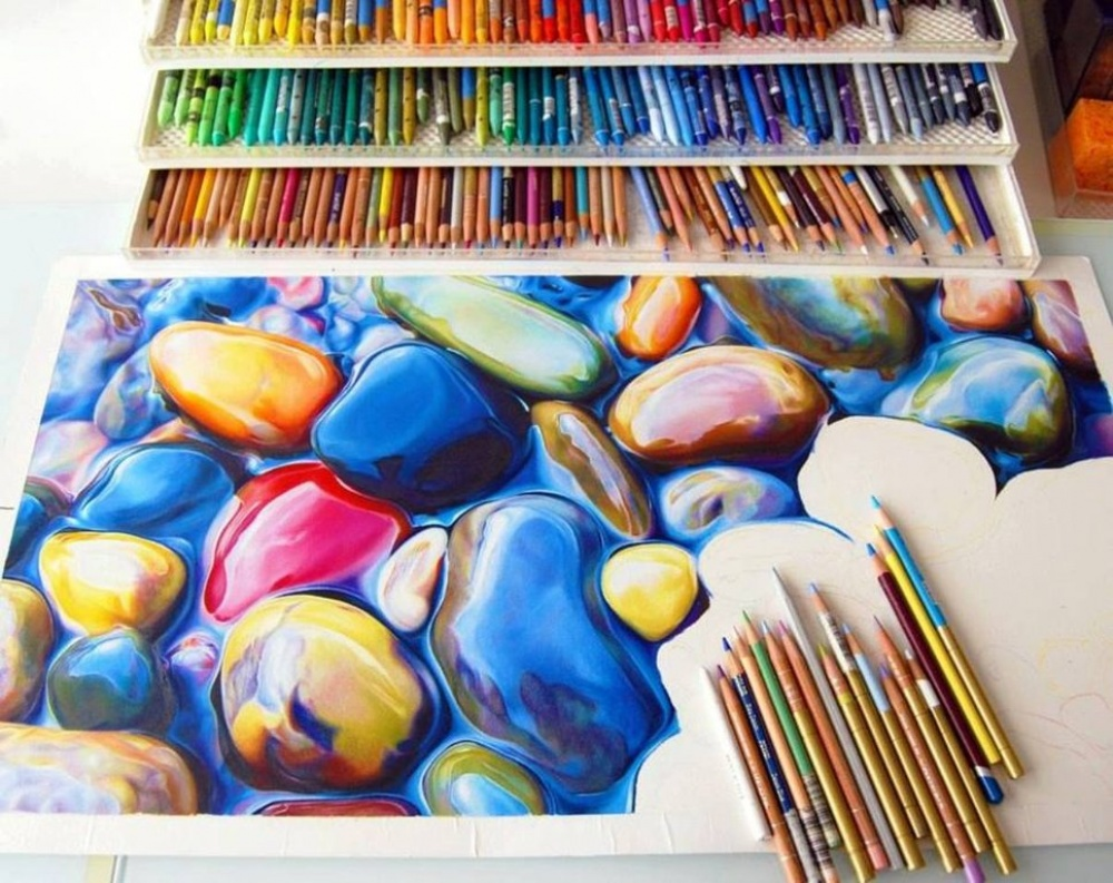 An incredibly beautiful drawing made using only coloured pencils