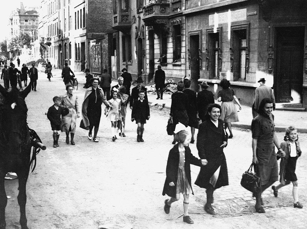 rare-1945-photos25
