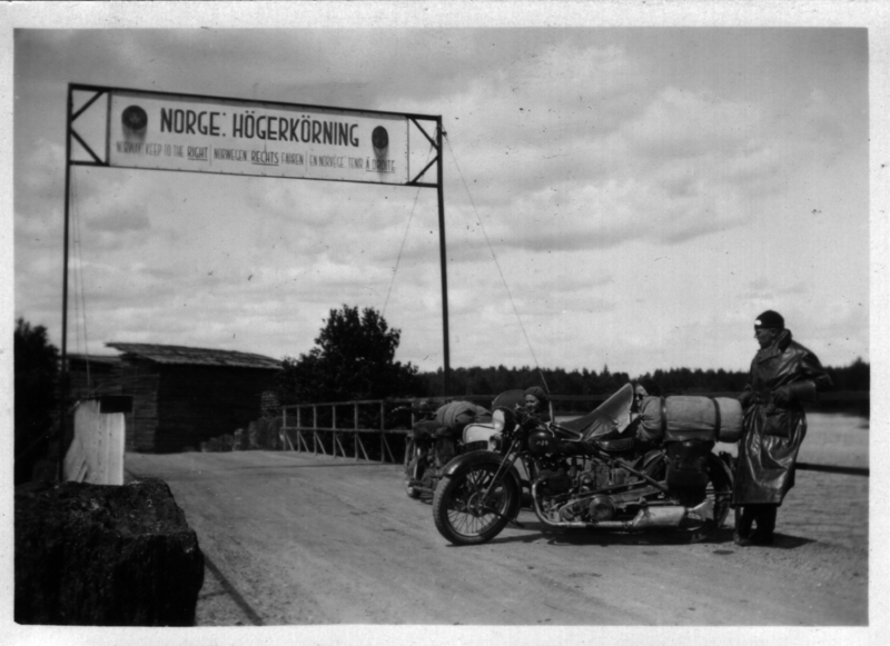 Warning sign on the border between Sweden and Norway in 1934