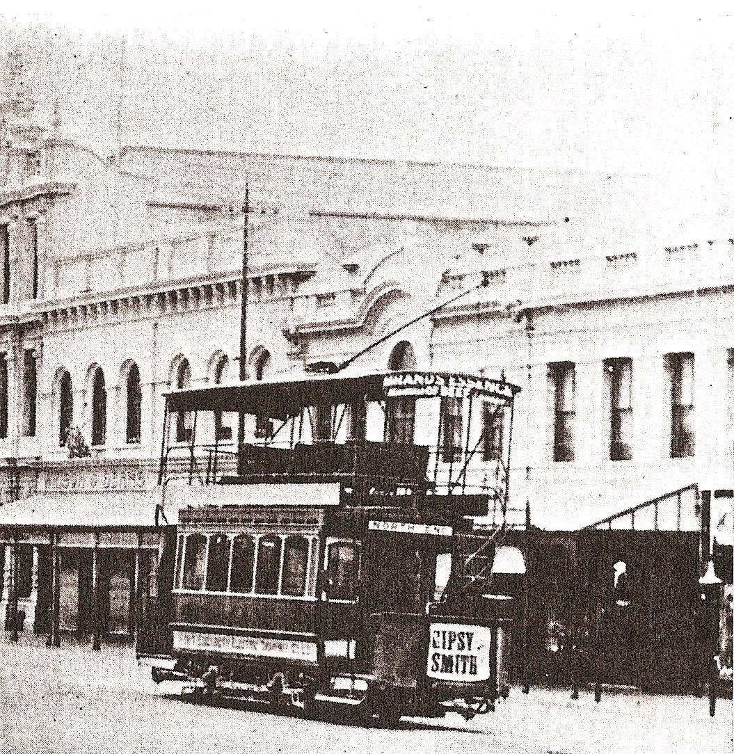 main-street-pe-with-trams06