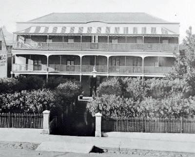 old-phoenix-hotel