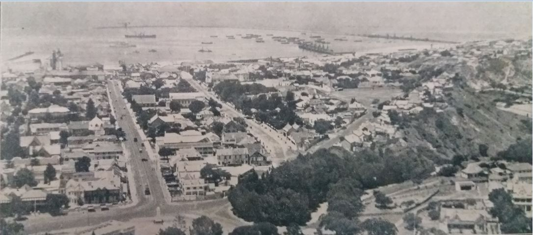Aerial view of the Port Elizabeth harbour immediately prior to the construction of the Charl Malan Quay