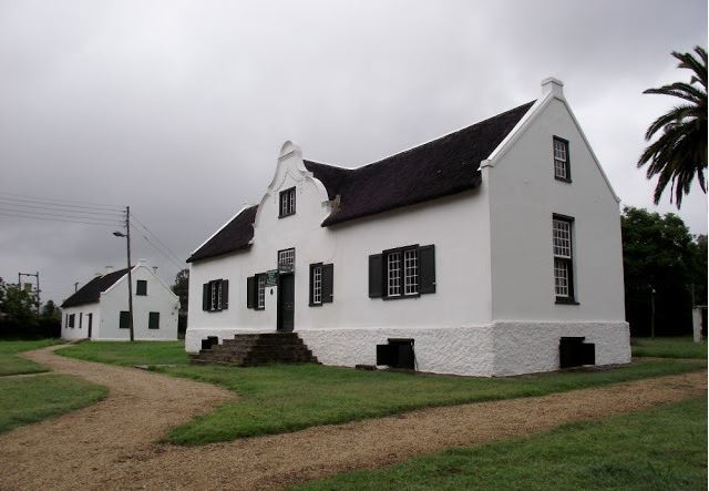 Built as a homestead for General Jacob Glen Cuyler, Landdrost of Uitenhage from 1806 to 1827, this Cape Dutch style house has been restored and furnished in the style of its day