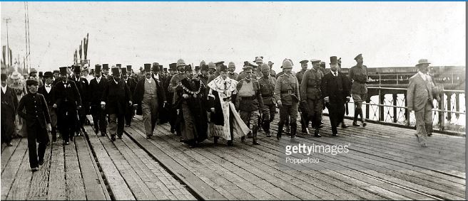 Lord Roberts on 7th December 1900 with a crowd of dignitaries in Port Elizabeth