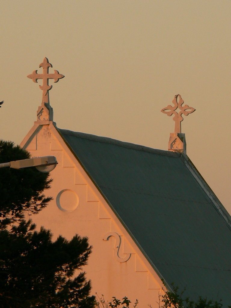 port_elizabeth_st_philips_church_2_different_stone_crosses