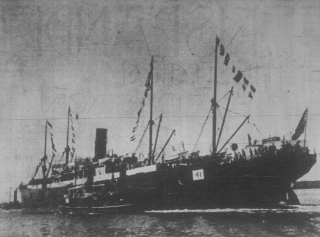 The SS Manchester Port embarking with the 4th Queensland Imperial Bushmen