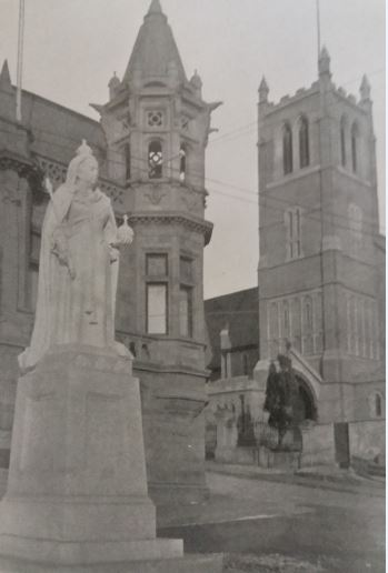 st-marys-church-and-the-statue-of-queen-victoria