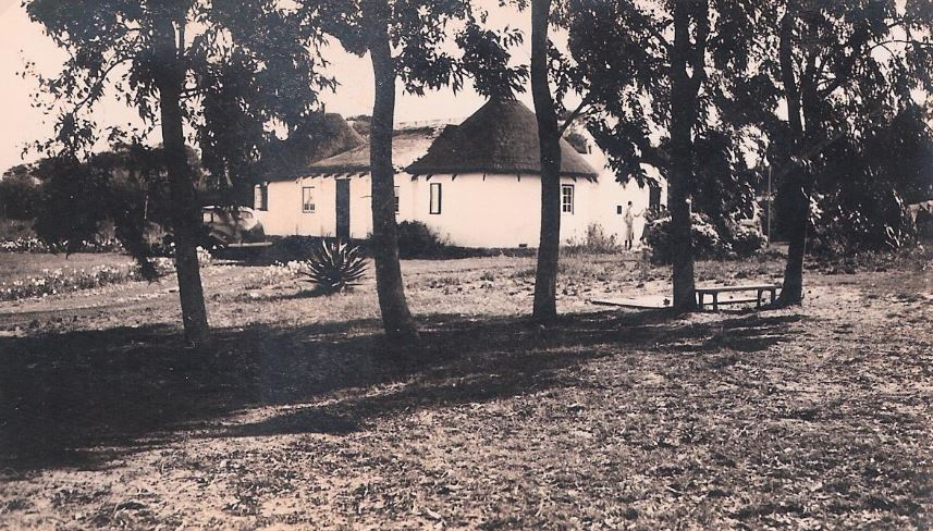 Dorothy & Cecil's first house on old Cape Road between Draaifontein and Van Stadens Pass