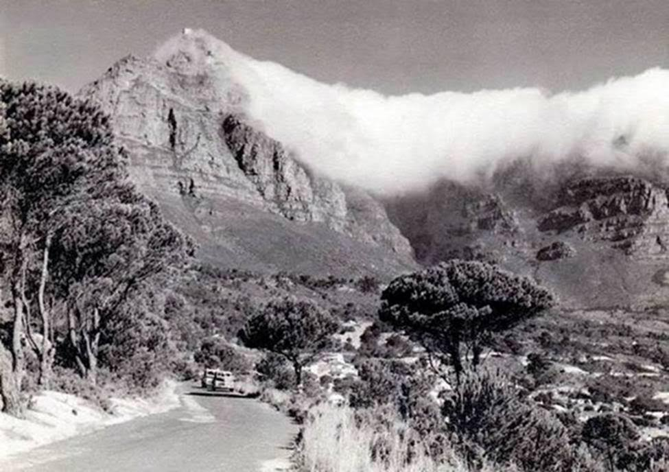 kloof-road-en-route-to-glen-beach-in-1953