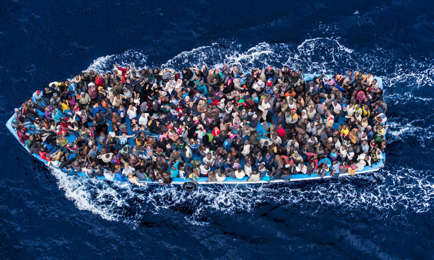 Migrants crossing the Mediterranean - Distanation Europe