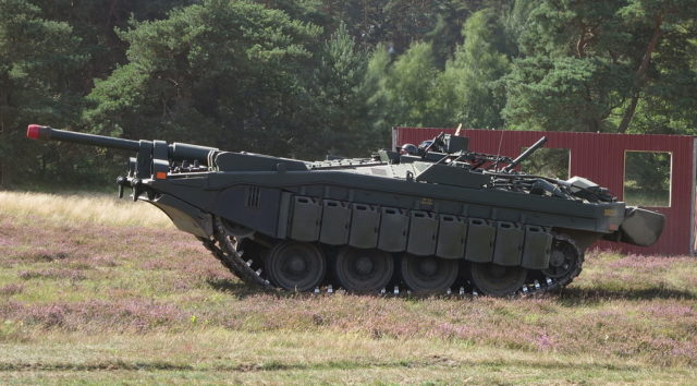Stridsvagn 103-Gun elevated using suspension