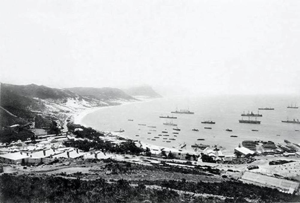 the-naval-base-in-simons-town-in-1900