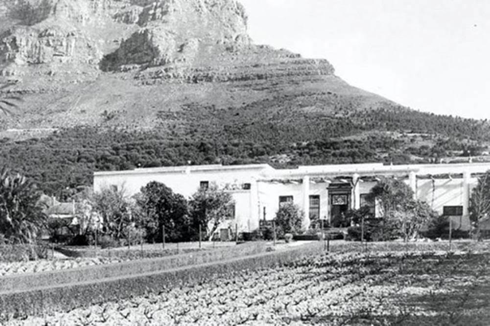 welgemeend-is-one-of-the-oldest-surviving-houses-in-cape-town-and-was-built-in-gardens-in-1700