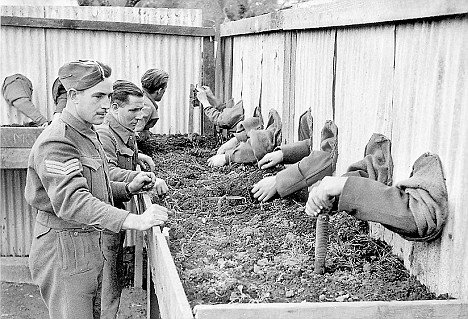 royal-engineers-being-trained-to-probe-for-land-mines-in-the-dark-italy-1944
