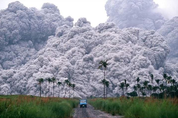 A pyroclastic surge can exceed 290 mph and a temperature of 1830 degrees F