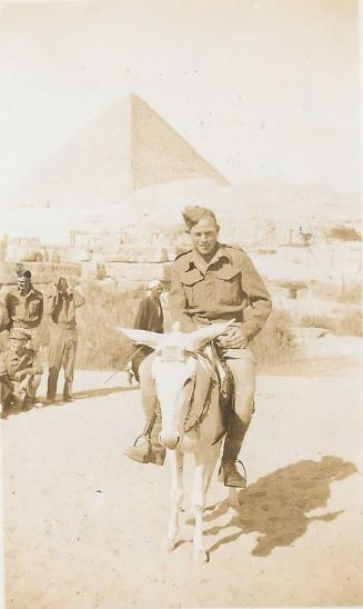Harry Clifford McCleland in Egypt on 13-11-1941 during WW2